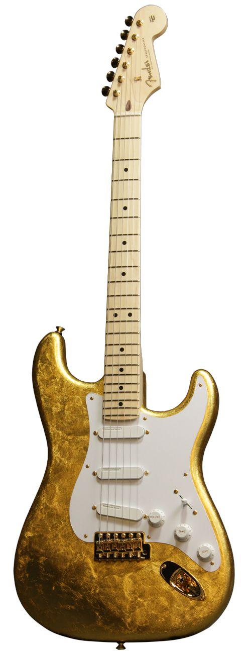 イシバシ楽器店スタッフが2012年11月にカリフォルニア州コロナにあるフェンダーファクトリーを訪問した際に特注したモデルで3年越しの待望入荷となります。