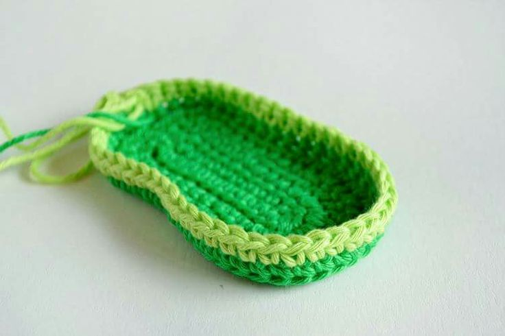 333 best Sapatinhos de crochet e acessórios images on Pinterest ...