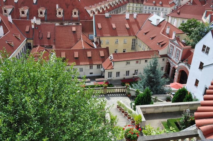 Uitzicht op de Ledeburská Zahrada, Ledebour tuin, Praag / Vieuw on the Ledebour Garden Prague. Own picture