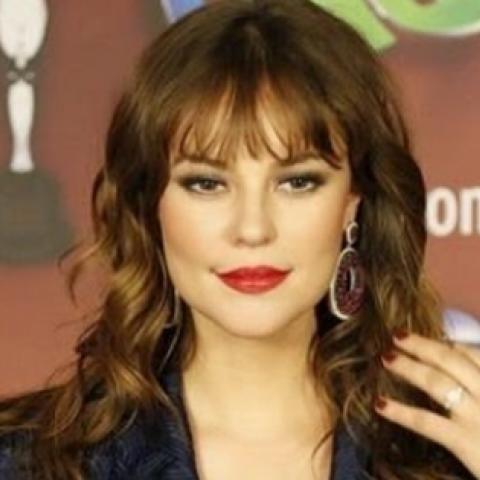 Paola Oliveira interpreta a una prostituta lesbiana en nueva telenovela.