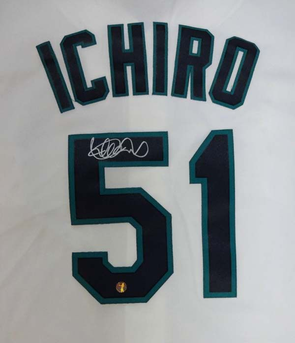 Ichiro Suzuki Autographed Majestic Seattle Mariners White Jersey Size XL IS Holo