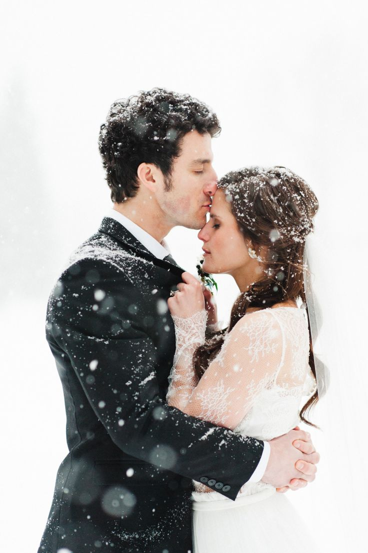 Snowy Wedding Shoot Photography: Rebecca Hollis Photography - rebeccahollis.com  Read More: http://www.stylemepretty.com/2014/10/01/winter-wedding-inspiration-at-green-valley-ranch/