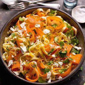 Tagliatelle met wortel, citroen en geitenkaas