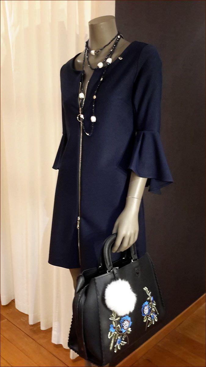 Rinascimento: Voor dames met een passie voor mooie dingen. Glamoureuze en kwalitatieve Italiaanse kleding voor dames met stijl. Maat S t/m XL.