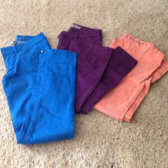 Colored jeans bundle Blue skinny jeans are size 5 from Belk. Purple skinny jeans are size 6 from old navy. And peach skinny jeans are size 6 from New York and company Pants