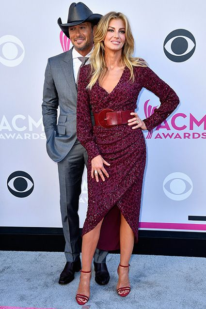 The biggest names in country music hit the red carpet in Las Vegas on Sunday night!