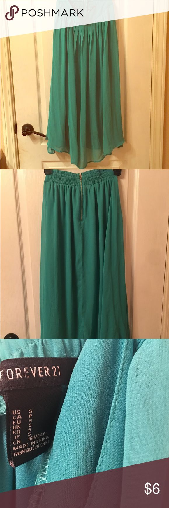 Flowy Teal Maxi Skirt Teal Maxi Skirt! Perfect for Summer :) has been worn! Size SM Forever 21 Skirts Maxi