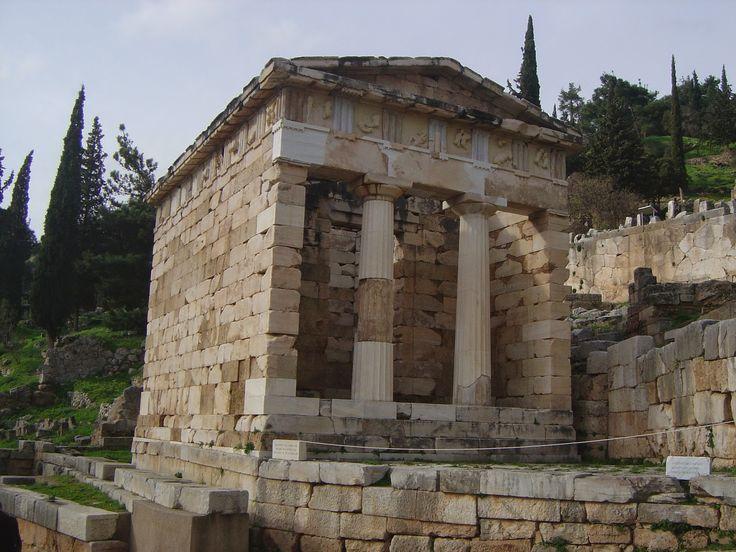 Tempio di Apollo a Delfi, Delfi, V sec.  Esempio di tempio ionico