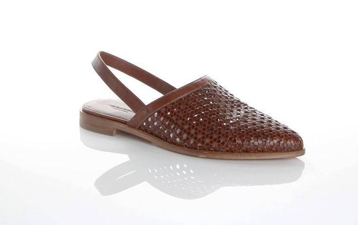 Vagabond - DAPHNE. This is a part of our Premium selection.     Portuguese craftmanship meets clean Scandi design in these brown leather pointed toe slingback flats from new group Daphne. As part of our premium segment, they are crafted from premium leather, have a full leather lining and a leather outsole.