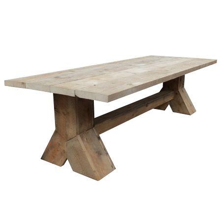 Ein Unikat Bauholztisch, ein Bauholz Design fur Ihr Wohnung. Handgemacht und nachhaltig. Lassen Sie sich inspirieren! www.hausundgartenmoebel.com