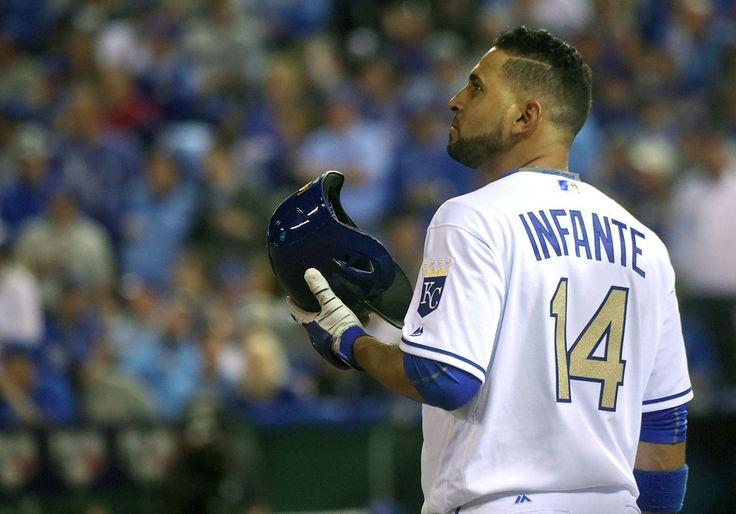 Omar Infante colocado para asignación por los Royals de Kansas City.