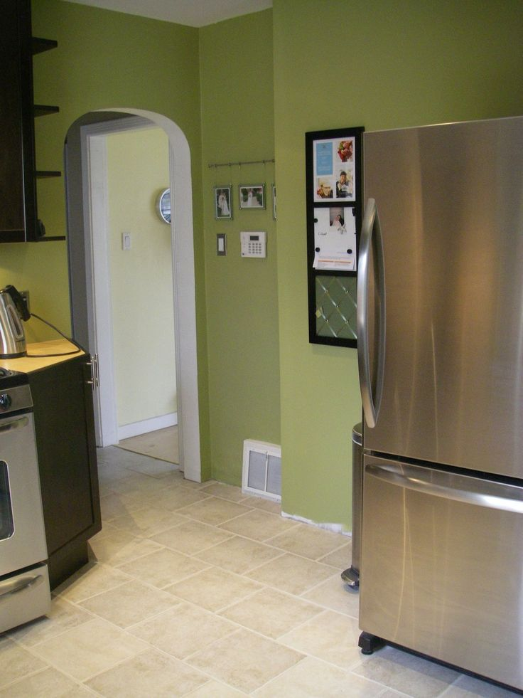 17 best images about kitchen and dining room colors on for Best green paint for kitchen