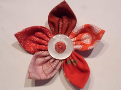 Cristina at Tan' par fa made some pretty fabric flowers with  my tutorial!