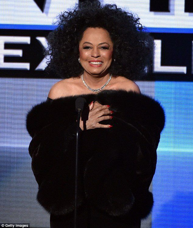PAY HOMAGE B!TCH: Diana Ross, Sickening at 70. Blesses The Children With Appearance at AMA's