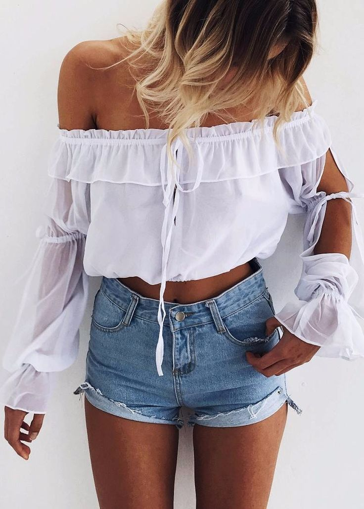 spring outfit idea: the best way to wear off-the-shoulder