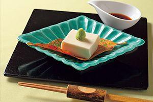 前菜の胡麻豆腐
