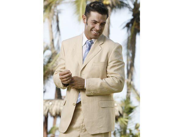 M s de 25 ideas incre bles sobre trajes de para boda for Boda en jardin como vestir hombre