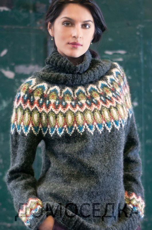 Модный женский вязаный свитер от Эми Гандерсон выполнен спицами круговыми рядами сверху вниз.