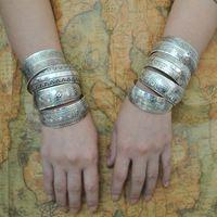 Fábrica venta al por mayor de la joyería tibetana brazaletes de plata de época antiguos tibetanos brazaletes de puño de plata ( pedido mínimo USD10 )
