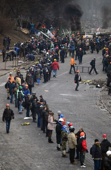 At least sixty Ukrainians murdered by the pro-Russian government today, while the people literally fight with rocks: 20th Feb 2014