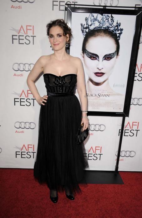 "Winona Ryder AFI ""Black Swan"" closing night gala (November 11, 2010)"