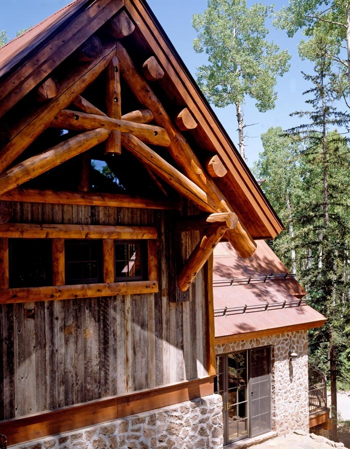 the master bedroom gable showcases a structural log