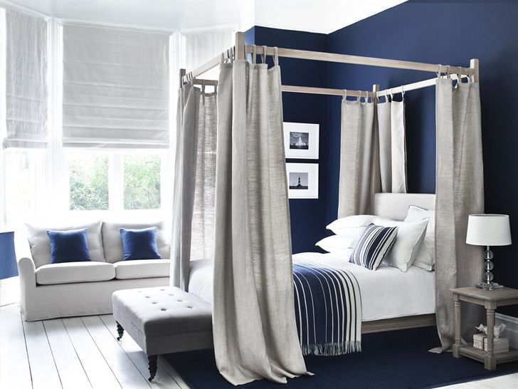 Bedroom design in blue #bed #bedroom #blue #wall #english #style #curtains