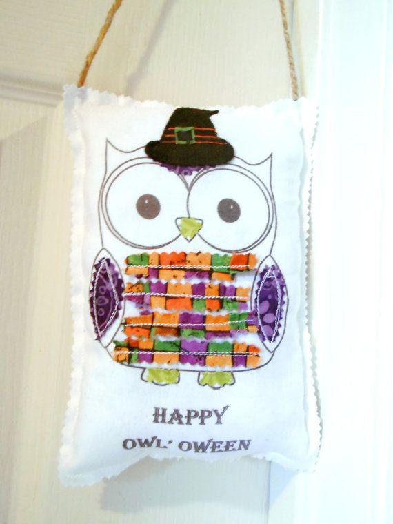 Halloween Owl Pillow Door Hanger, Appliqued Animal Word  ~ 102409_Halloween Owl Door Hanger