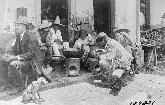 """Echando un taco """"Los agachados""""1921."""