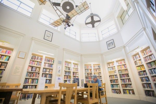Stephen and Tabitha King offer to cover one-third of $9 million Bangor library renovation, if library finds ways to foot the rest of the bill.