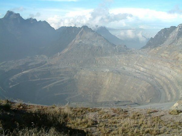Opened in 1973, Indonesia's Grasberg Mine is the world's biggest gold mine and third largest copper mine. This industrial eyesore in the mou...