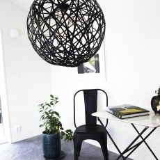 Scandinavian black globe pendant lamp in bamboo // Lodge - Sessak