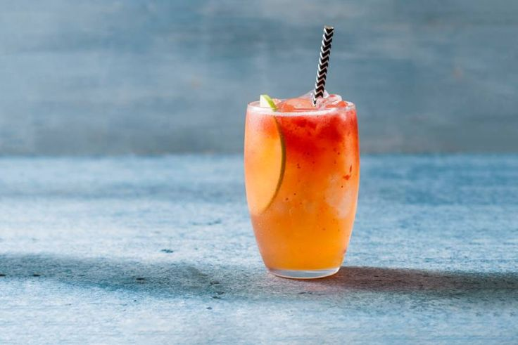Een fruitige alcoholvrije cocktail met klein beetje pit van gember - Recept - Allerhande