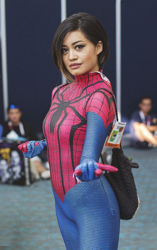 The amazing spidergirl - 1 6