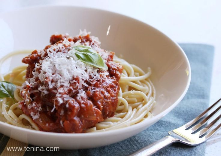 Chunky Bolognaise Sauce - Cooking with Tenina