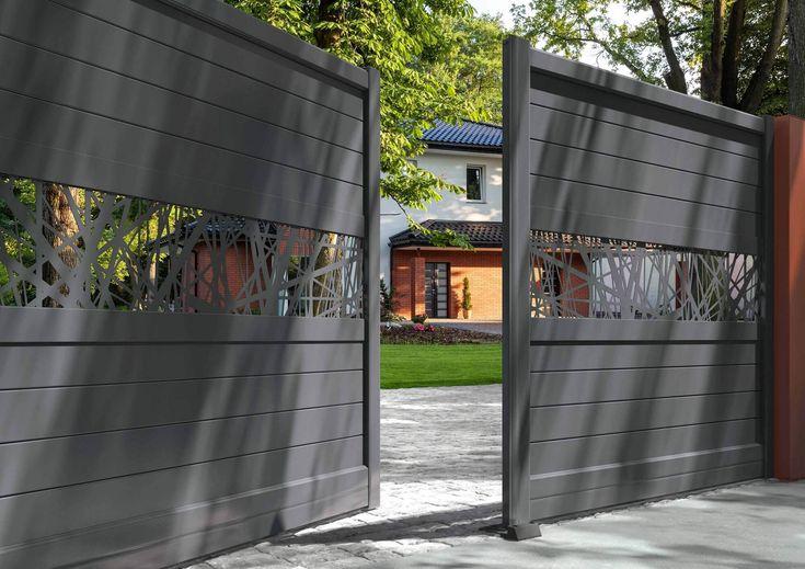 Solabaie vous présente sa gamme de plus de 150 modèles de portails en PVC et aluminium. Demandez votre devis gratuit !