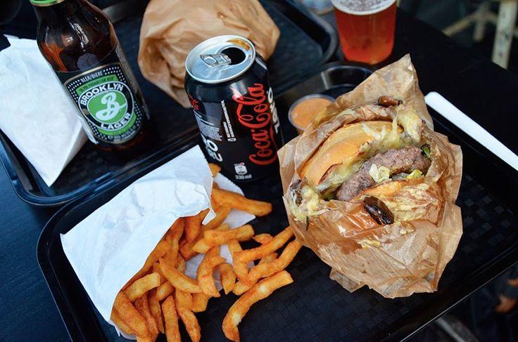 Starvin' Joe 42 Rue de Charonne, 75011 Paris Budget : 12€ max pour un menu Frites fraiches/ Recettes gourmandes/ Burgers fantastiques