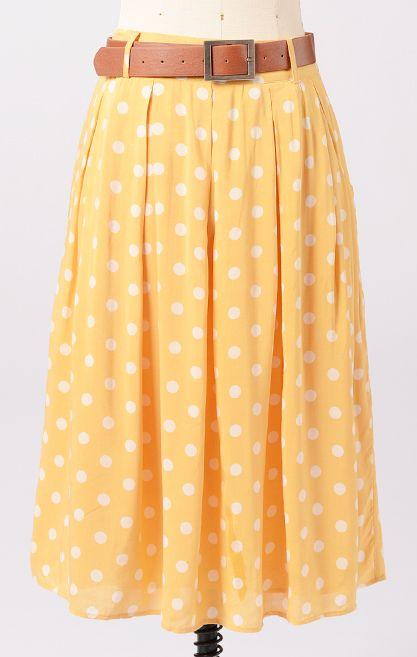 <3 me some polka dots. can't pull of a teeny weeny yellow polka dot bikini but maybe a skirt....