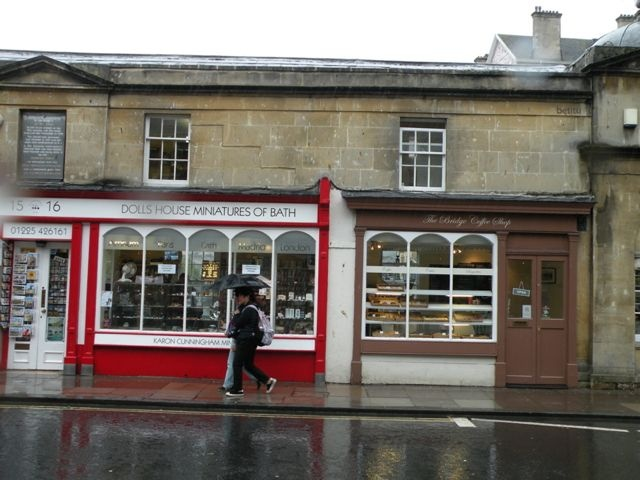 Dolls House Miniatures of Bath and The Bridge Coffee Shop - photo by betitu -Pulteney Bridge, Bath
