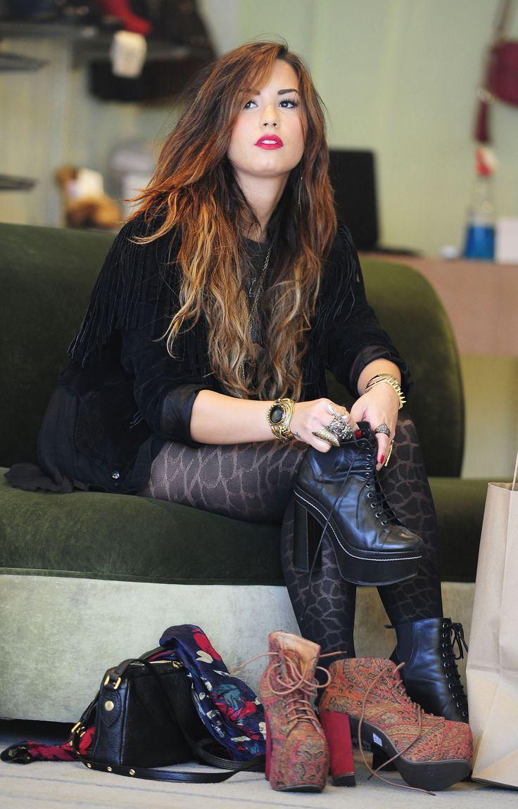 Demi Lovato Shoes Demi Lovato Goes Shoe Shopping In