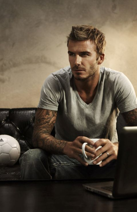 The grey t shirt, jeans, and tats...pretty nice...the fact that it's David Beckham doesn't hurt either:)