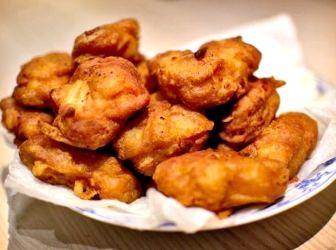 Kínai édes-savanyú csirke golyó recept: Egy nagyon gyorsan elkészíthető és ízletes húsétel, amit mindenki szeret.