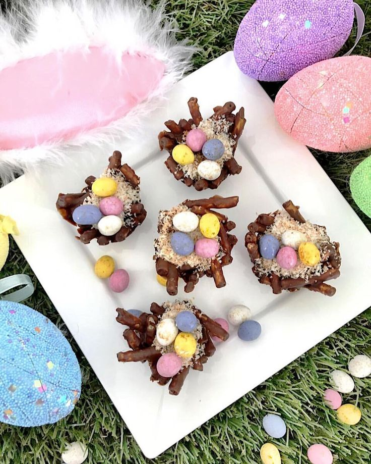 """{Easter Nests 🐣} . . We've been having some miserable rainy days so since we can't play outside we…"""""""