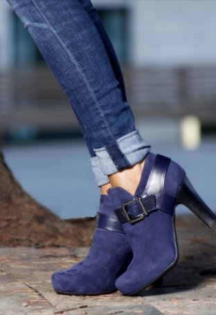 Botines azul oscuro noche lomas zapatos oto o invierno for Armario para zapatos