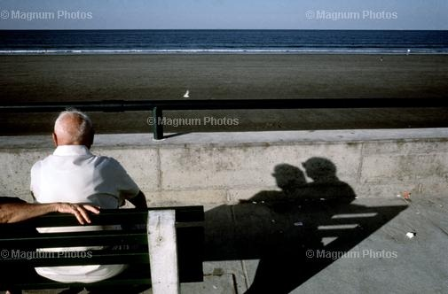 "Constantine Manos  USA. Massachusetts. Nantasket Beach. 1982.  ""American Color"" p.25.  © Costa Manos/Magnum Photos"
