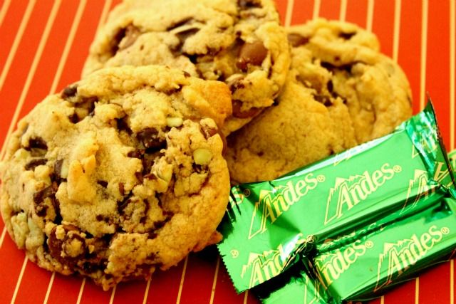 Mint chocolate chip cookies, Mint chocolate chips and Mint chocolate ...