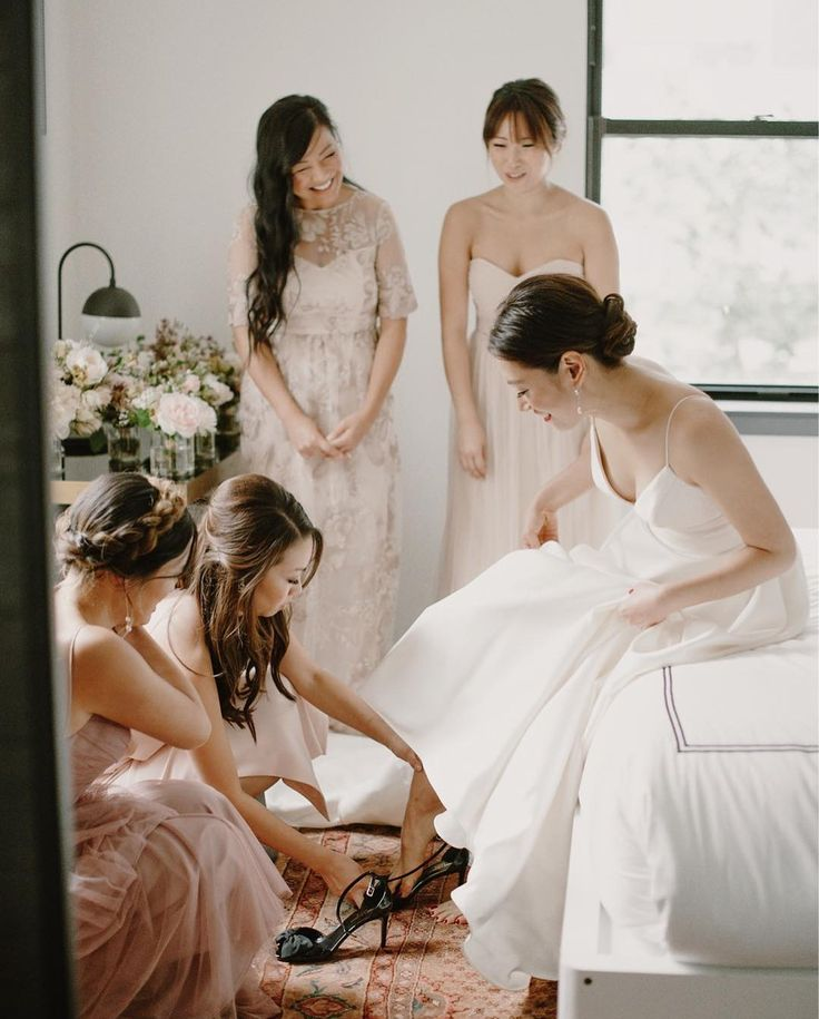 "543 gilla-markeringar, 4 kommentarer - kristen marie photography (@kristenmarieparker) på Instagram: ""Jane and her lovely gals, plus a little peekaboo of @cjpandco florals."""