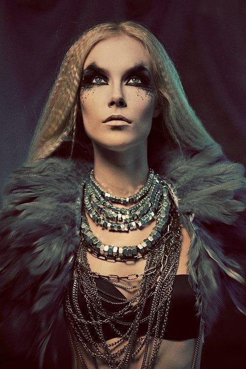 Hair/Makeup: ALEX FIA makeup artist  Photographer:   SIMS PHOTO   SIMONA SMRCKOVA