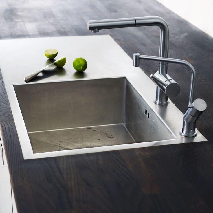 OBS - køkkenvask i stål med extra plade Fra Køkkenskaberne.dk