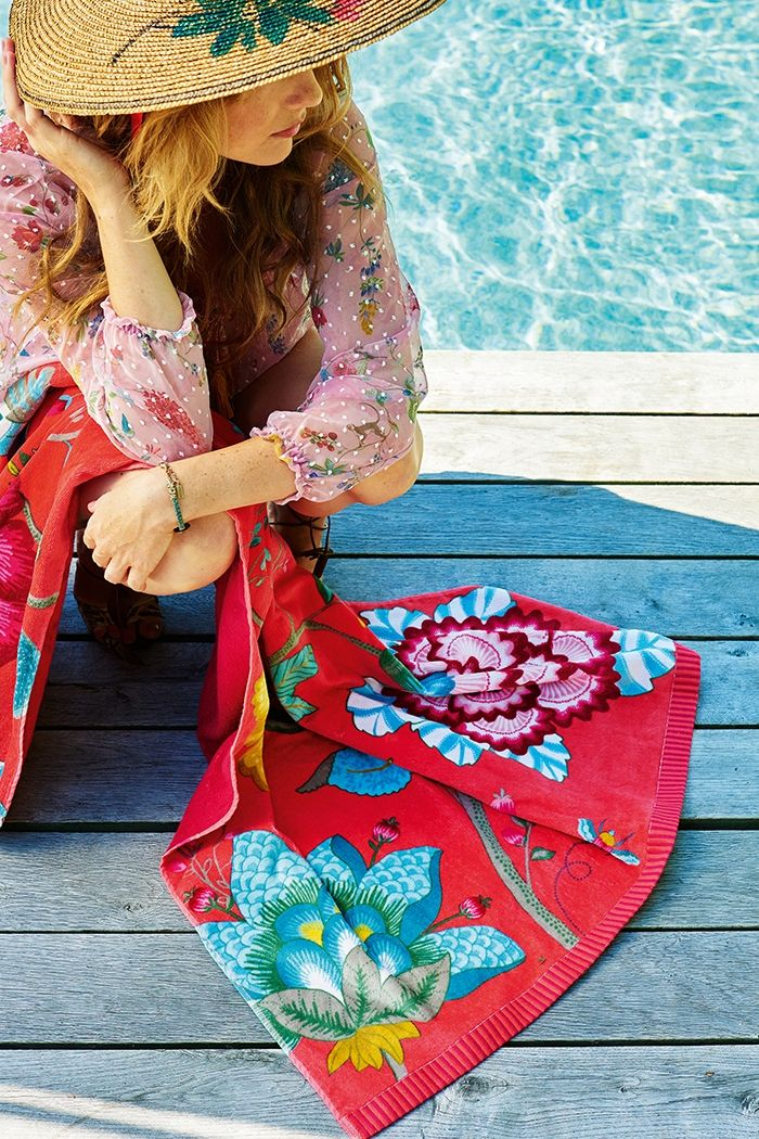 Pip Floral Fantasy Beachtowel Red